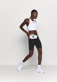 Champion - BIKE TRUNK - Leggings - black - 1