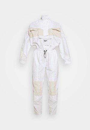 BOILERSUIT - Jumpsuit - white