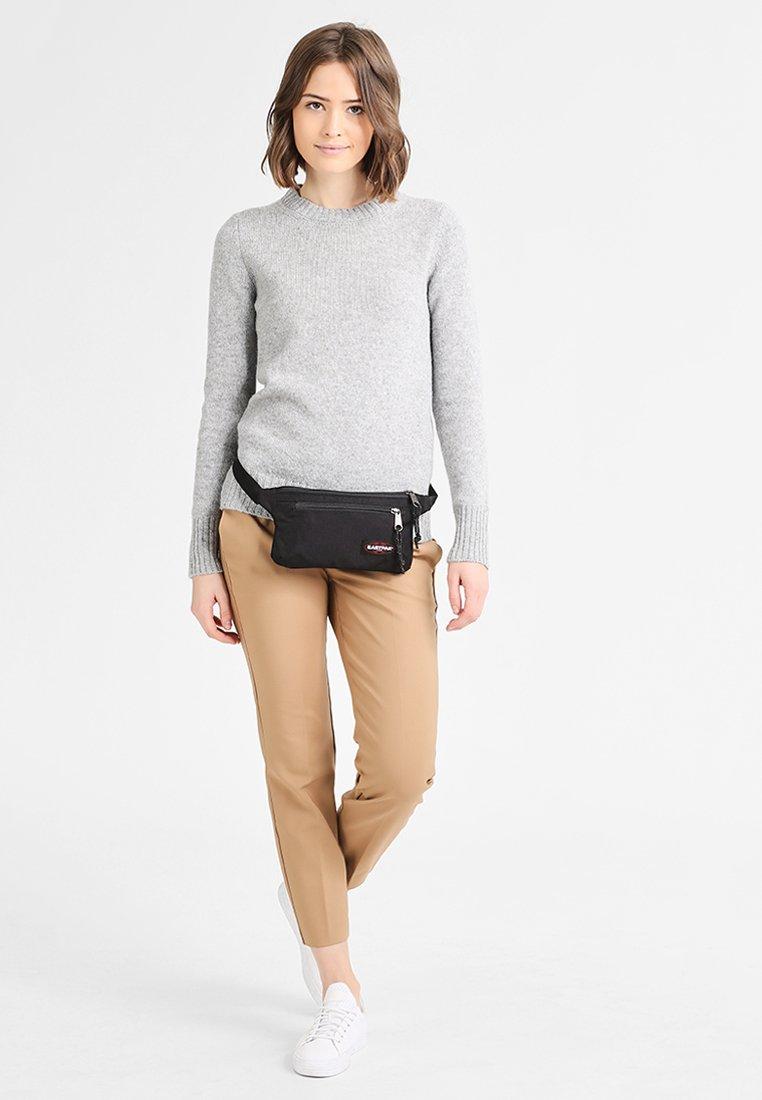 Eastpak - TALKY/CORE COLORS - Bum bag - black