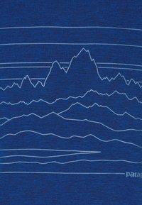 Patagonia - CAP COOL DAILY GRAPHIC - Print T-shirt - superior blue - 2
