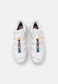 Salomon - XT 6 UNISEX - Sneakers basse - white/lunar rock - 3