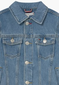 Tommy Hilfiger - BACK TRUCKER - Spijkerjas - denim - 3