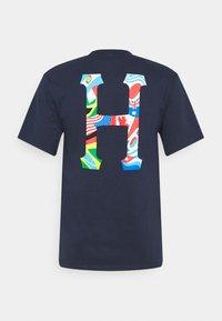 HUF - GLOBAL TRIP CLASSIC TEE - Print T-shirt - french navy - 1