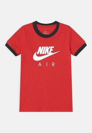 RINGER - Camiseta estampada - university red/black