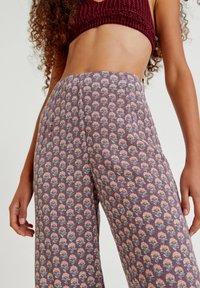 PULL&BEAR - Trousers - mottled purple - 4