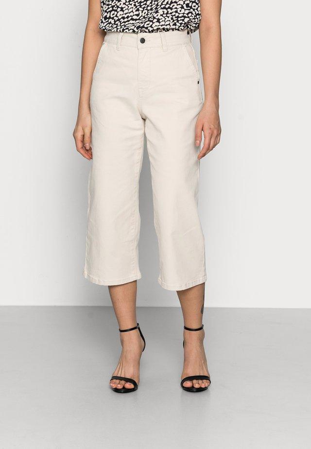 OBJMARINA JEANS - Straight leg jeans - sandshell