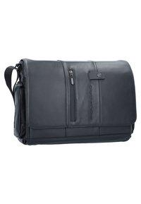 Piquadro - Across body bag - black - 1