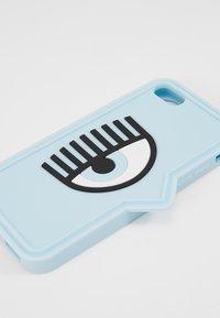 CHIARA FERRAGNI - EYELIKE COVER IPHONE - Mobiltasker - blue - 2