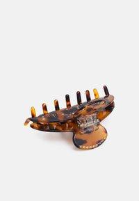 Pieces - PCJIMA HAIR SHARK BOX - Hair styling accessory - black turtle - 1