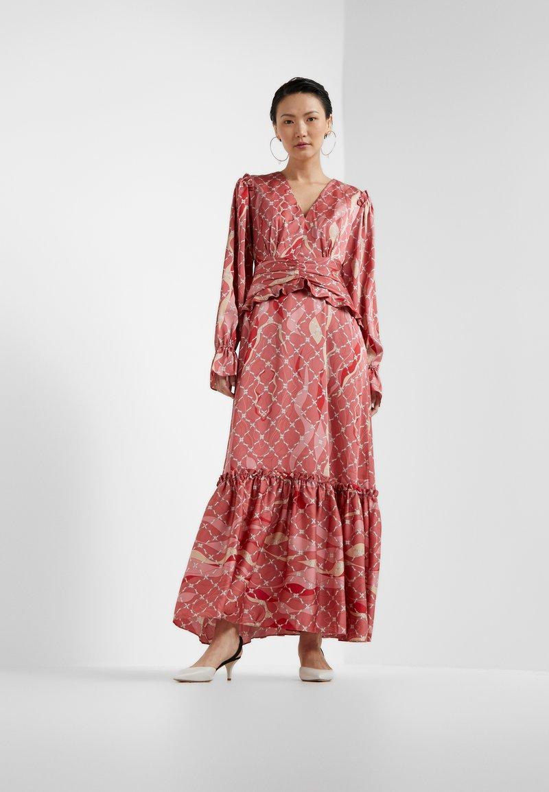 Three Floor - FANTASIST DRESS - Ballkleid - faded rose /tomato red