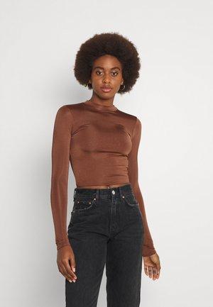 HIGH NECK SLINKY - Long sleeved top - brown