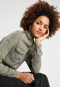 Superdry - RAMONA MILITARY SHIRT - Button-down blouse - washed khaki - 3