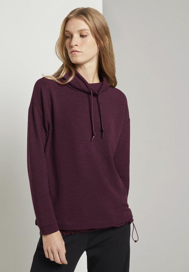 MIT STRUKTUR - Sweatshirt - gipsy purple