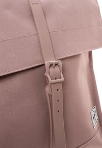 Herschel - CITY MID VOLUME - Batoh - rose - 3