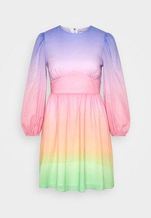 MARLOW - Vapaa-ajan mekko - light pink/yellow/blue