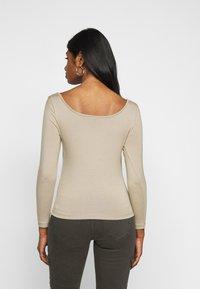 Vero Moda Petite - VMPANDA SWEETHEART - Long sleeved top - silver mink - 2