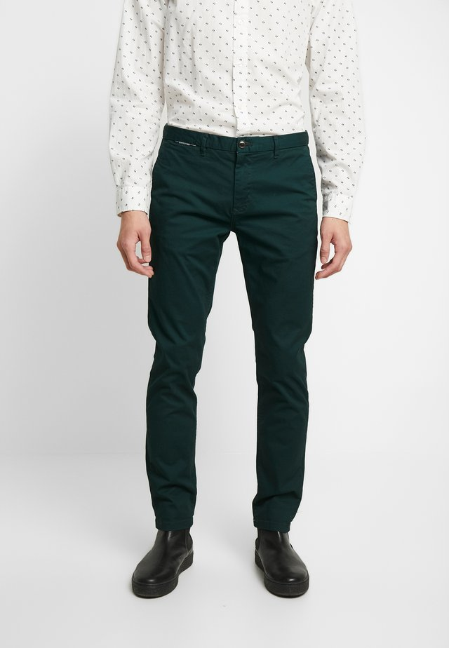 MOTT CLASSIC - Chino kalhoty - fern