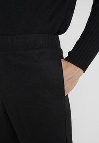 Bruuns Bazaar - CLEMENT CLARK PANT - Trousers - black - 3