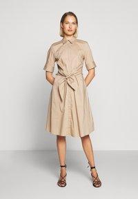 Lauren Ralph Lauren - SILKY DRESS - Vestido camisero - birch tan - 0
