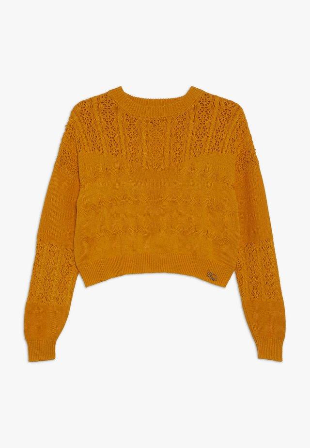 PULL - Stickad tröja - safran