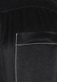 Proenza Schouler White Label - DOBBY PAJAMA PANT - Stoffhose - black - 7