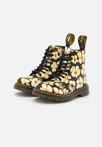Dr. Martens - 1460 PASCAL - Veterboots - black/yellow fayre/lamper - 1