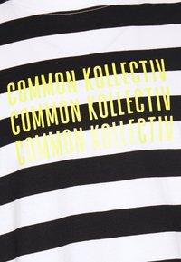 Common Kollectiv - UNISEX WILSON STRIPE  - T-shirt z nadrukiem - white - 2