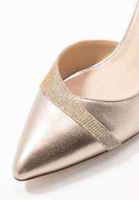 Anna Field Wide Fit - LEATHER CLASSIC HEELS - Avokkaat - gold - 2