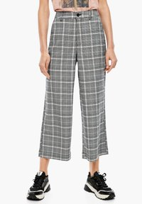 Q/S designed by - KARIERTE CULOTTE - Trousers - black check - 5