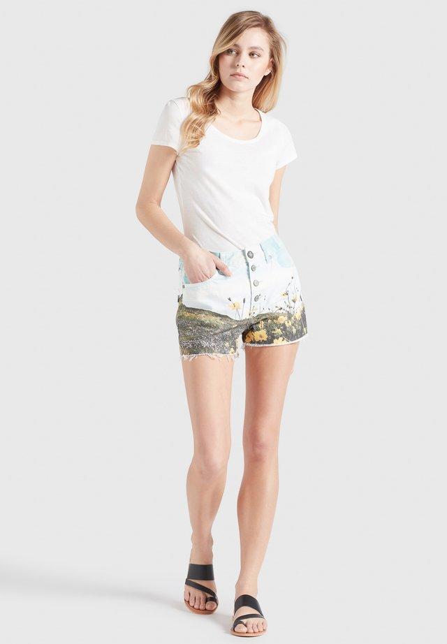 ANOUK - Shorts di jeans - blau weiß gemustert