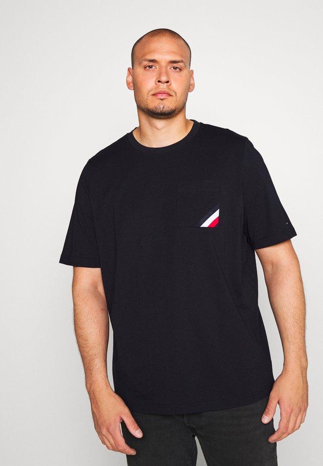 POCKET TEE - Camiseta básica - blue