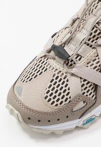 Hi-Tec - V-LITE RAPID WOMENS - Hiking shoes - desert/taupe - 5