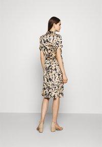 Vero Moda - VMHAILEY DRESS - Shirt dress - hailey - 2