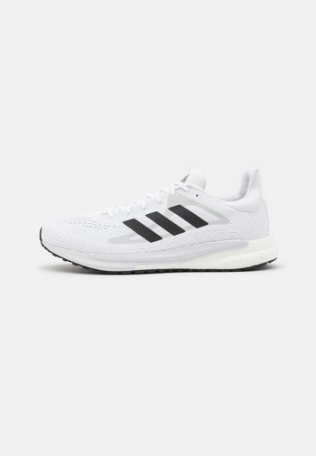 SOLAR GLIDE 3 - Neutral running shoes - footwear white/core black/dash grey