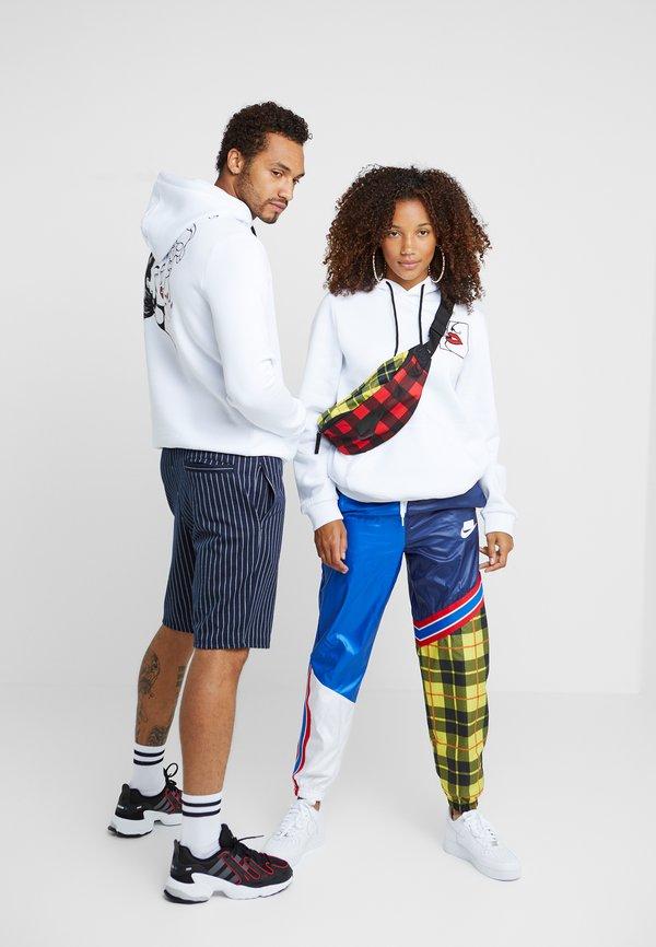 Pier One UNISEX - Bluza z kapturem - white/biały Odzież Męska OCEQ
