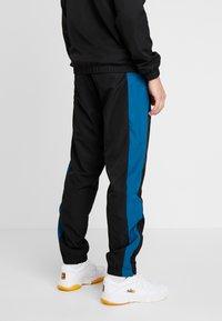 Lacoste Sport - TRACKSUIT - Dres - black/illumination white - 4