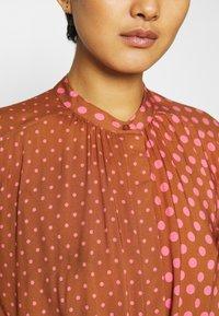 Mads Nørgaard - DACHA - Shirt dress - tan/pink - 5