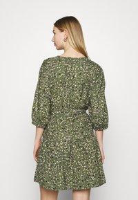 ONLY - ONLTHORA BELT DRESS - Day dress - clover/blurry - 2