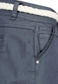 Eight 2 Nine - Shorts - blue - 4