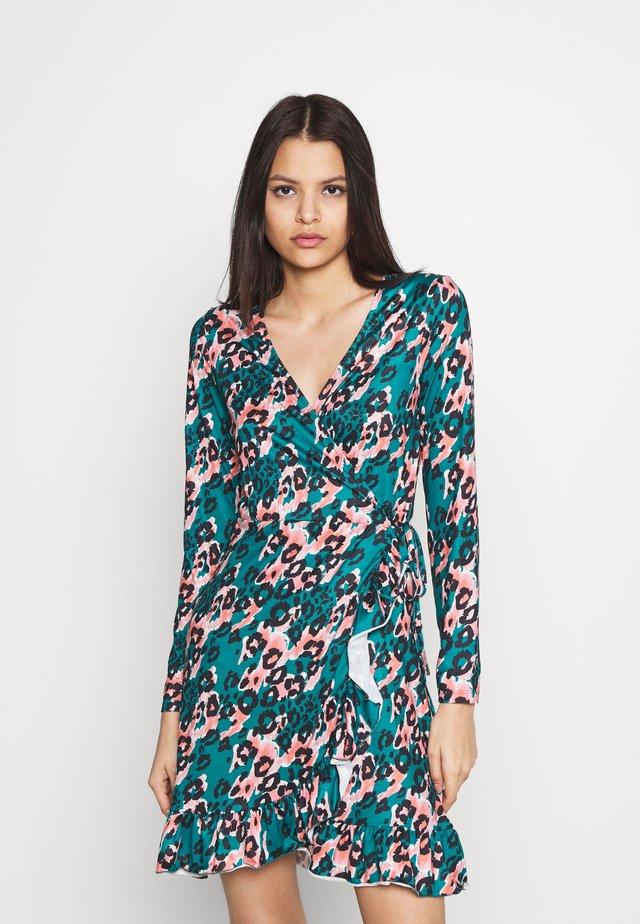 VILINDA DRESS - Jerseyjurk - eden