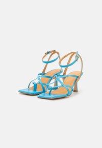 Billi Bi - T-bar sandals - clear blue - 2