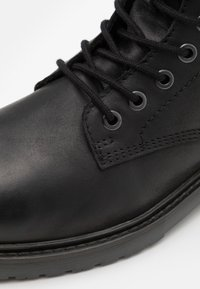 Jack & Jones - JFWNORSE BOOT - Lace-up ankle boots - anthracite - 5