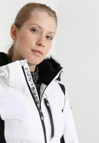 Superdry - SLEEK PISTE SKI JACKET - Ski jacket - white - 7