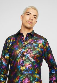 Twisted Tailor - PRIDE TRIXIE EXCLUSIVE - Shirt - rainbow - 4