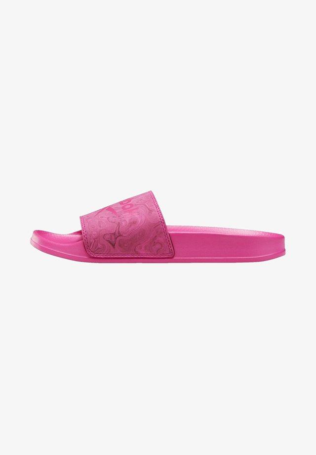 REEBOK FULGERE SLIDES - Sandały kąpielowe - pink