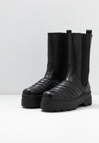 Pavement - FLORA - Platåstøvler - black - 4