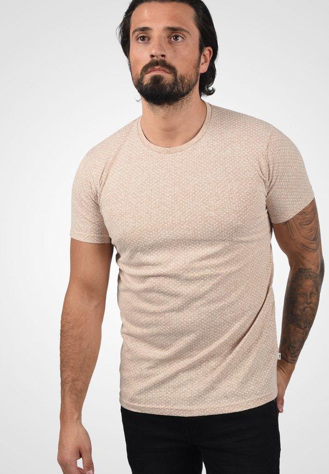 Basic T-shirt - curds & whey melange