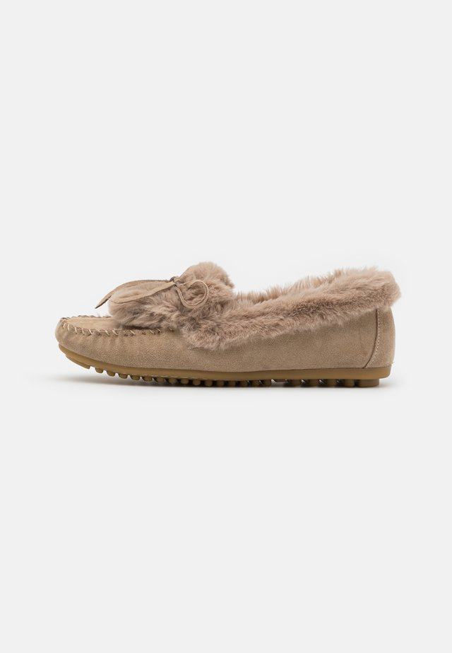 LEATHER - Slippers - beige