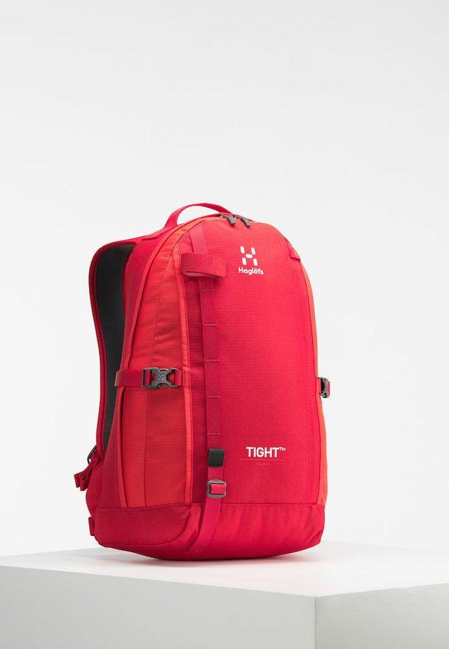 TIGHT MEDIUM - Rucksack - rich red/pop red