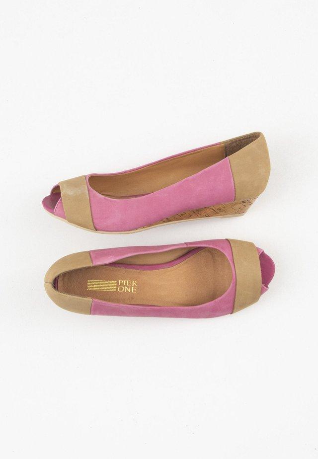 Peeptoe ballerina's - pink
